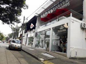 OPORTUNIDAD - EN VENTA PROPIEDAD DE DOS PISOS EN ZONA COMERCIAL DE CALI